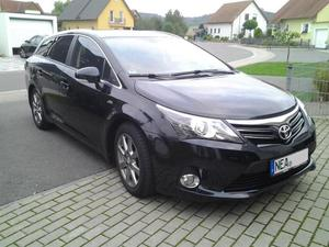 Toyota Avensis Combi 2.2 D-CAT Executive