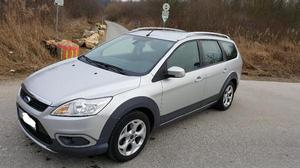 Ford Focus Turnier 1,6 TDCi DPF X-ROAD Modell