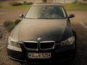 BMW 320i Volleder/XENON/PDC/ADVANTAGE/COMFORT Limousine