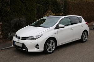 Toyota Auris Touring Sport 5 Türer Hybrid Automatik