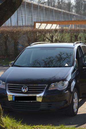 VW Touran 1,9 TDI, 105 PS, schwarz