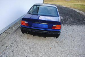 BMW 318 is E36