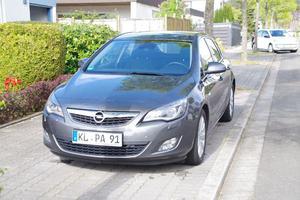 Opel Astra J 2.0 CDTI 160 PS Innovation NEU TÜV und TOP