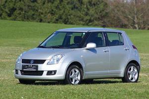 Suzuki Swift 1,3 GL 5DR 4WD Limousine