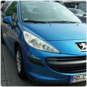 Peugeot 207 blau Reparatur erfordert