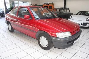 Ford Escort mit Fahrzeugbrief und Zulassungsbescheinigungen