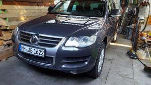 VW Touareg 3,0l V6 TDI DPF Bluemotion 1Hd KM Bj.