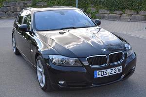 BMW 320i, Navi, Leder, Klima, Xenon, SHZ, 2xPDC...