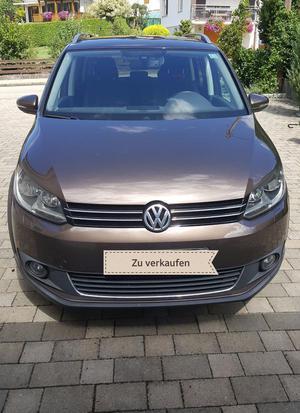 VW Touran Cross, Braun Metallic, Benziner, Schaltgetriebe,