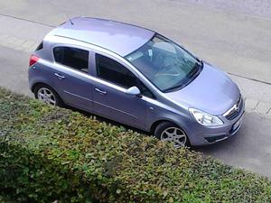 Opel Corsa, 'car of the year' u. 'gelber engel '