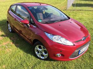 Ford Fiesta, Titanium, Magenta