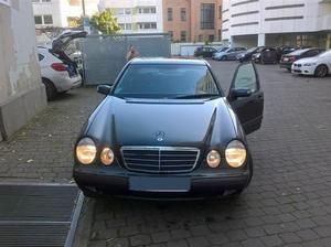 Mercedes-Benz E 200 Kompressor aus 1. Hand