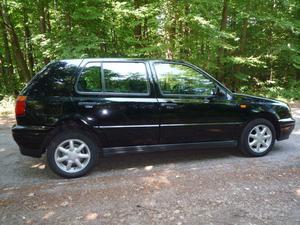 VW Golf III, schwarz, EZ