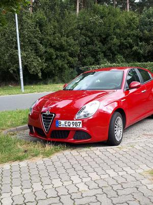 Alfa Romeo Giulietta TOP HU TÜV neu