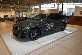 BMW 330d xD Touring LiveCockpit M-Sport Adaptiv HUD
